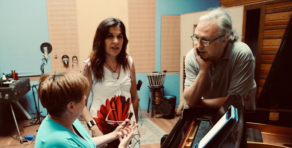 Irene Albar ı Loly Ayuma ı Richie Ferrer