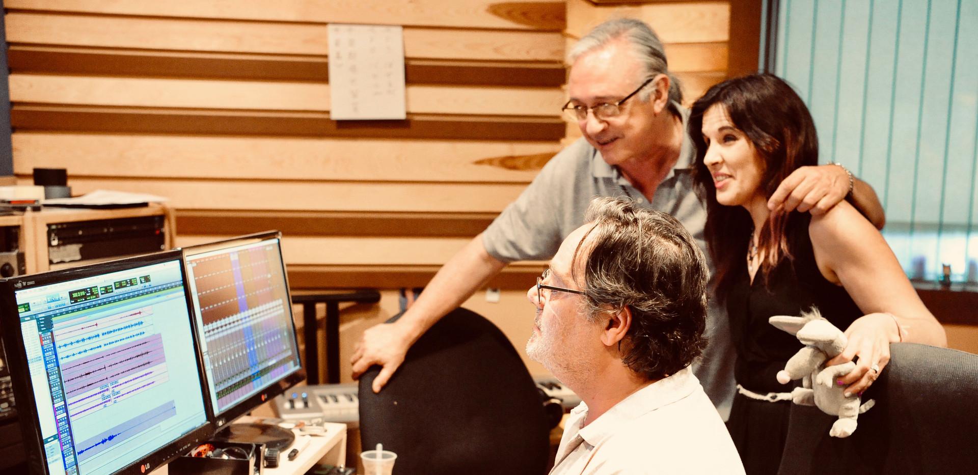 Pablo Baselga ı Richie Ferrer ı Loly Ayuma