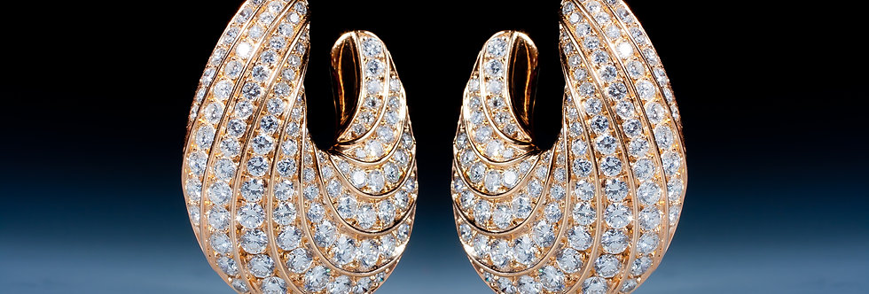 A magnificent pair of diamond earrings by Fred, Paris