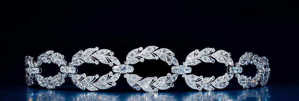 An exquisite Garland Style diamond choker by Cartier, Paris