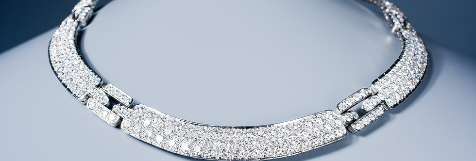 A magnificent diamond necklace by Tiffany & Co
