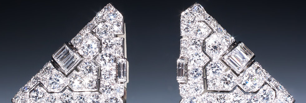 A beautiful pair of Art Deco clip brooches