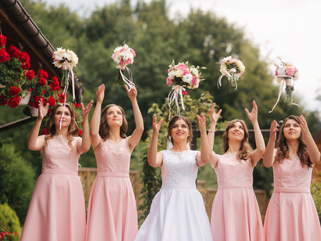 How many Bridesmaids and groomsmen should you have at your wedding?