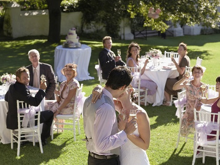 Thinking about an outdoor wedding? Here is how you can plan it perfectly