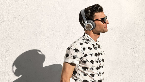 BeoPlay H4 - Bang & Olufsen Over Hear H4