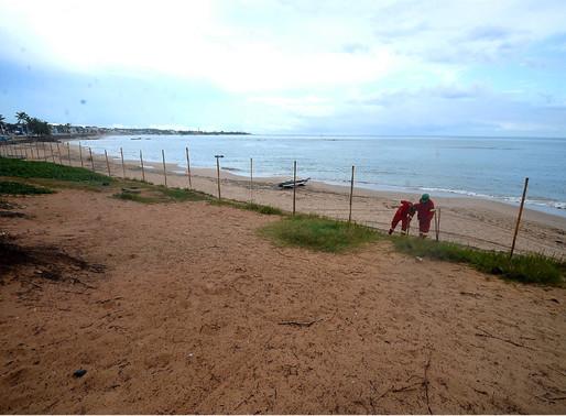 Praia cercada