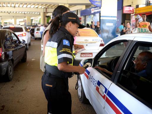 Taxistas e mototaxistas são alvo de blitz de Lei Seca
