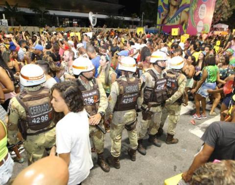 Portais de abordagem e tecnologia reforçam segurança no Carnaval