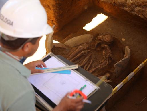 Peça de cerâmica encontrada na Avenida Sete pode ser urna pré-colonial