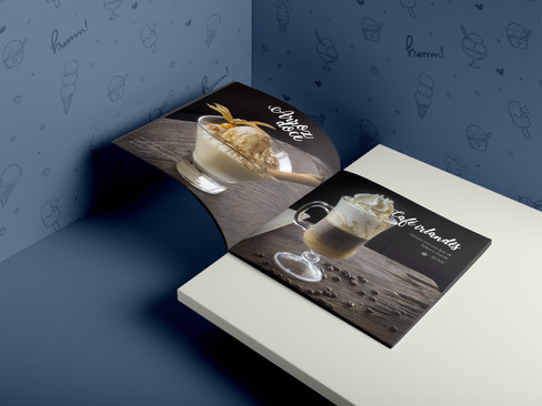 04-softcover-square-brochure.jpg