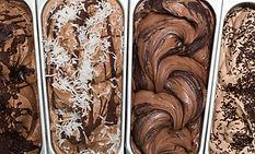 A imagem exibe uma foto de sorvetes de massa na vitrine