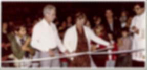 Angelo e Ermelinda inauguram a loja da Sorveteria Ideal no Centro de Vinhedo em 1983