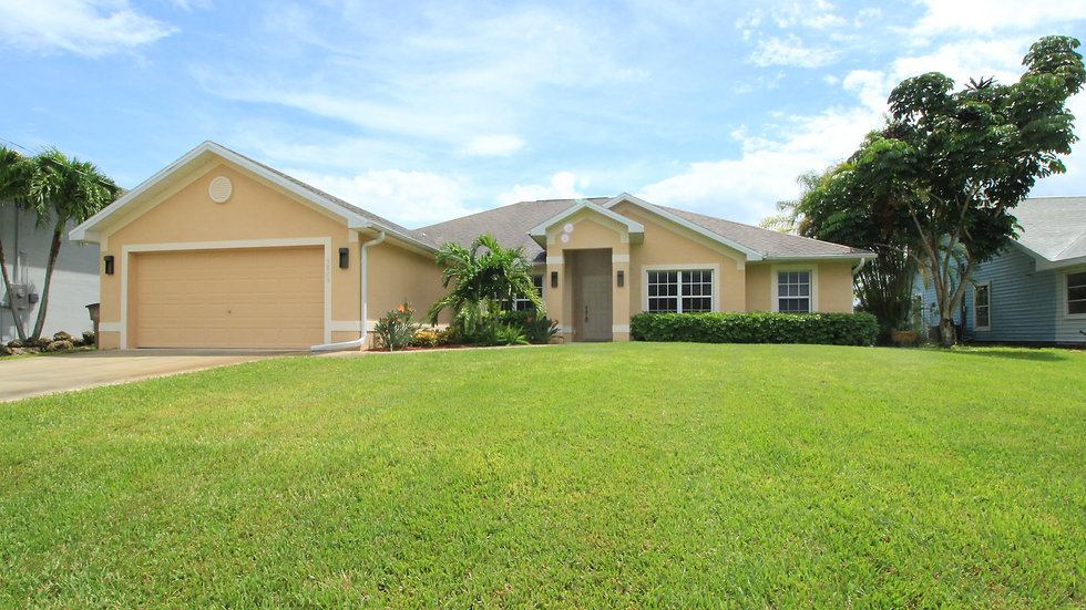 Cape Coral Single Family Home monthly annual rate of