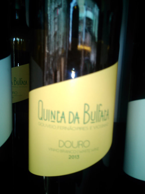 Quinta da  Bulfata  Branco 2013 -rotulo amarelo.