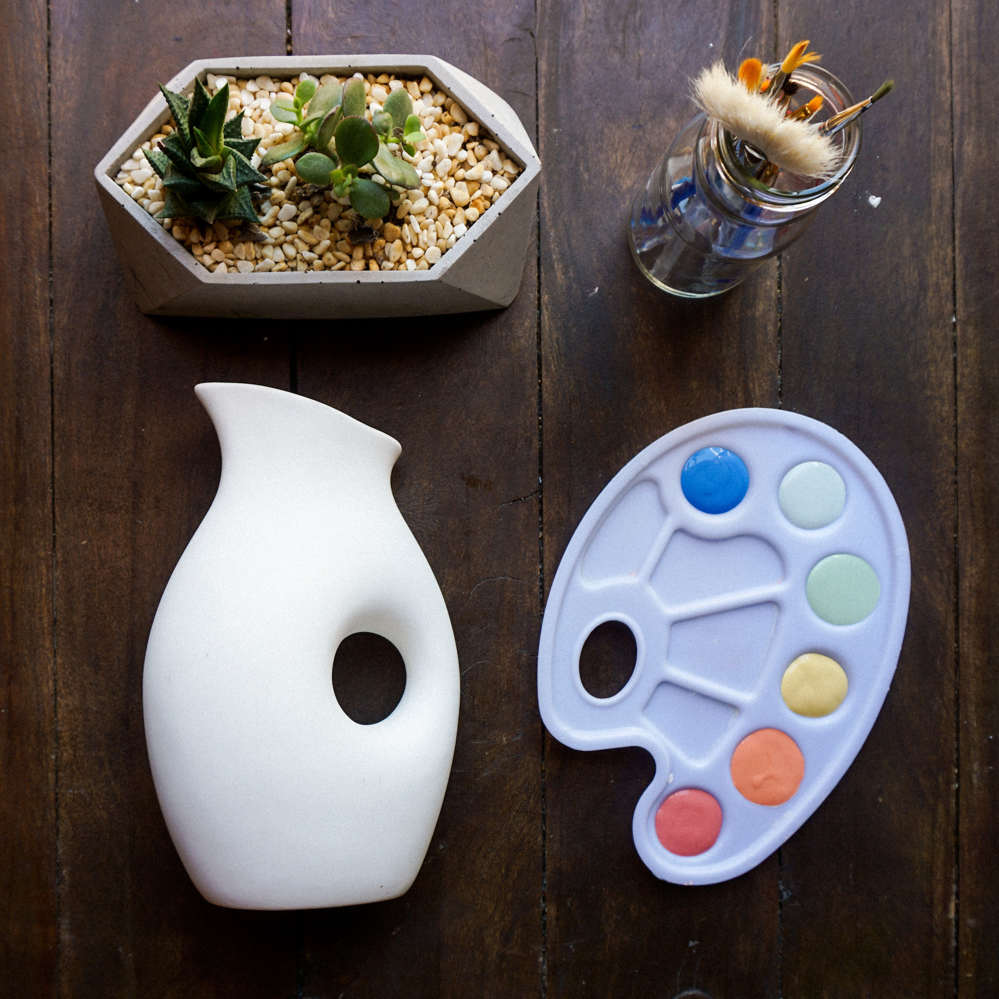 Book your table to Paint Pottery!