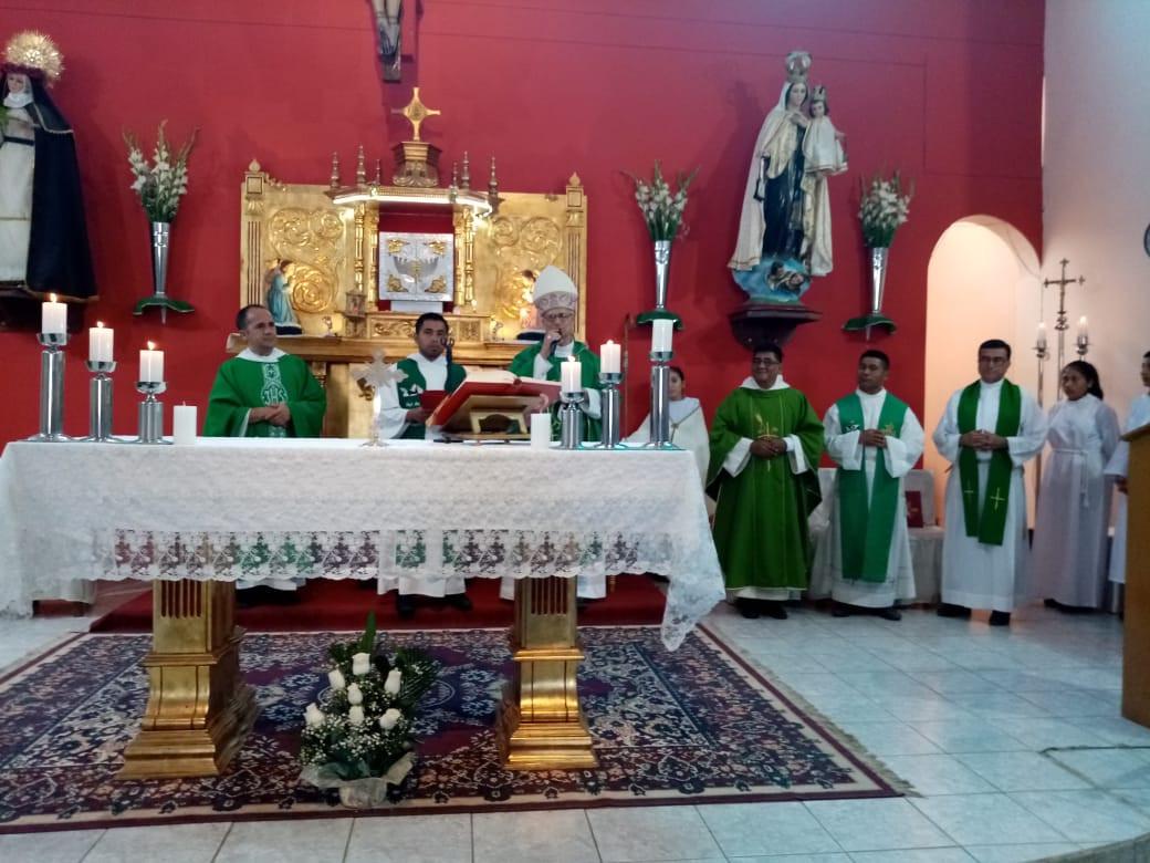 Toma de posesión en la Parroquia Santa Rosa de Lima