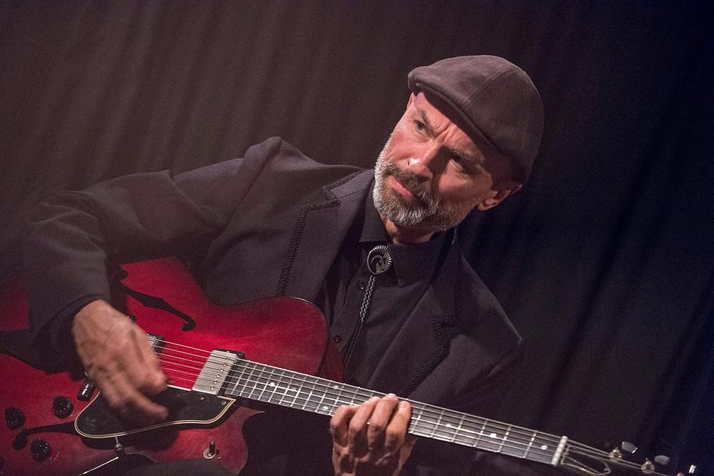 Jazz guitarist Carl Dewhurst