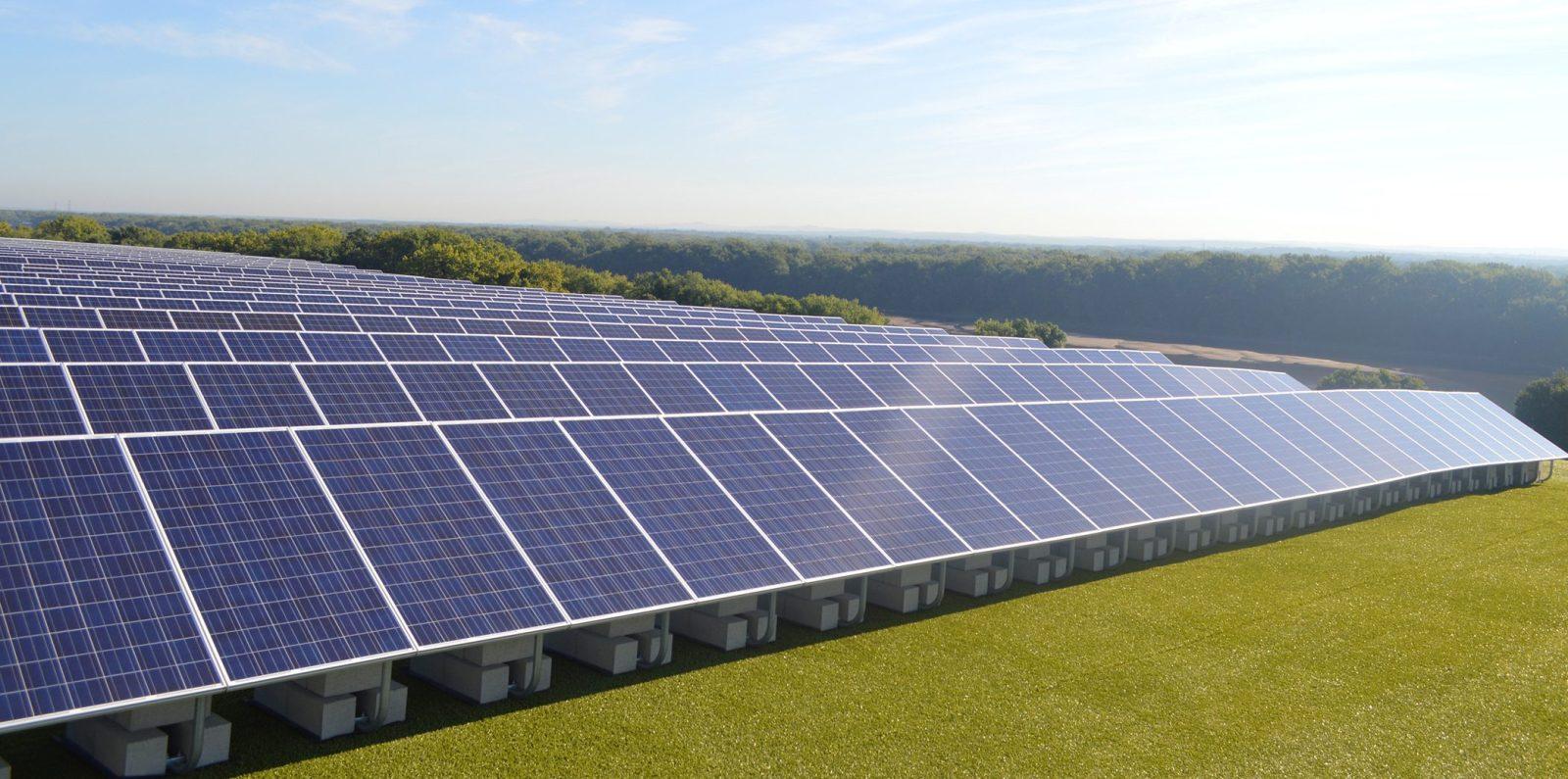hartford_landfill_solar_panels-e1466542749777