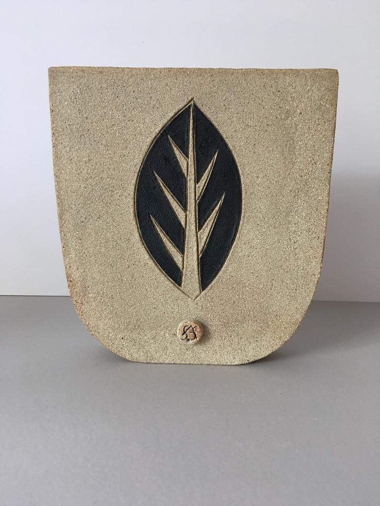 Leaf pot