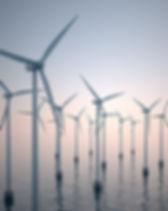 Turbines à vent sur l'eau