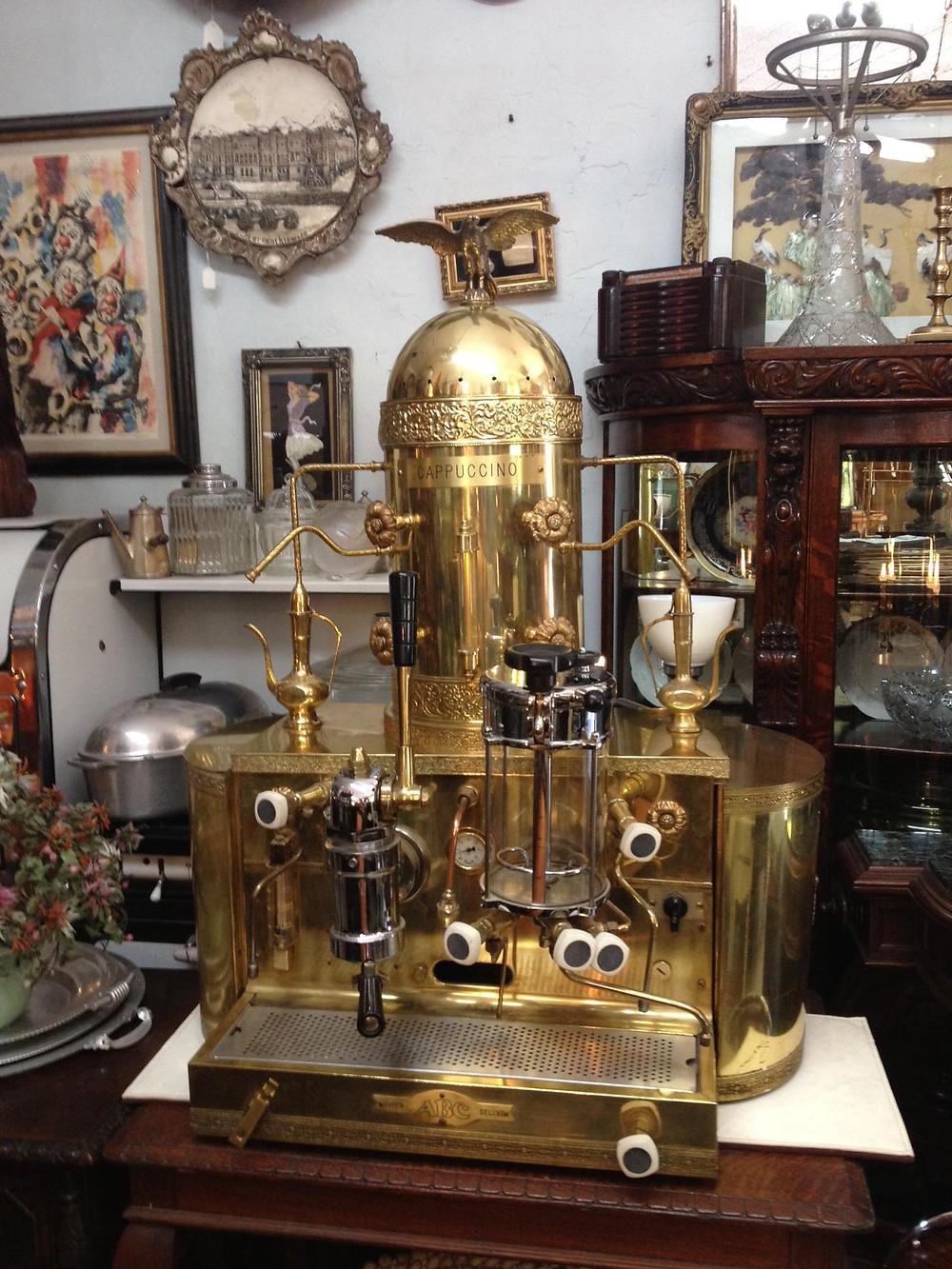 Первая эспрессо кофемашина под маркой BEZZERA была представлена на Миланской международной выставке в уже в 1906 году.