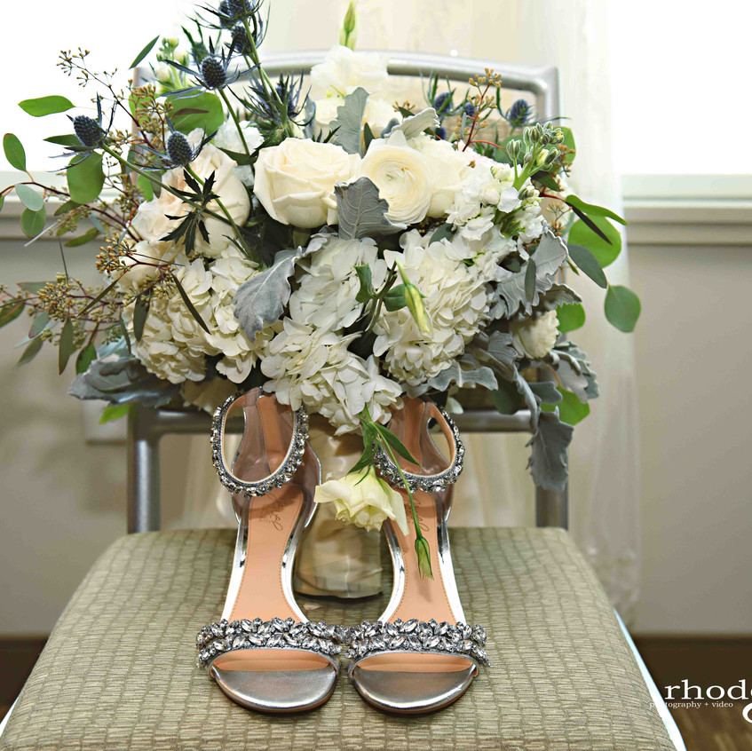 Beautiful shoes and bouquet