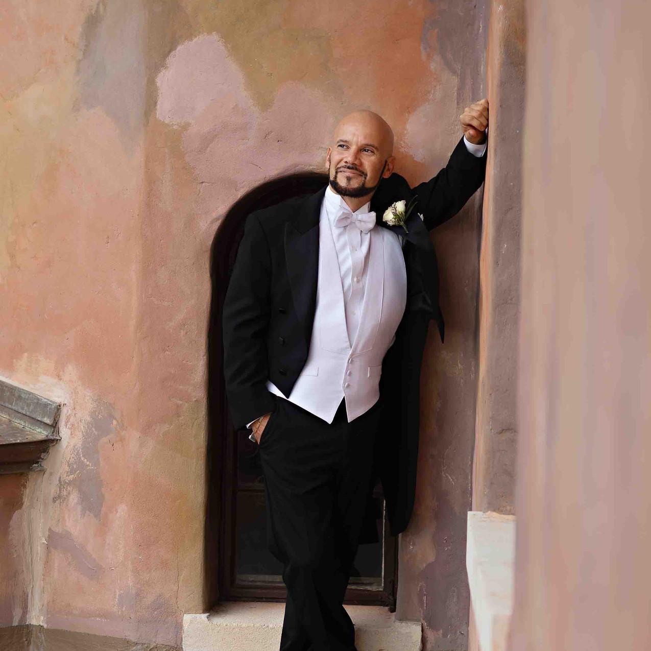 Top Notch groom!
