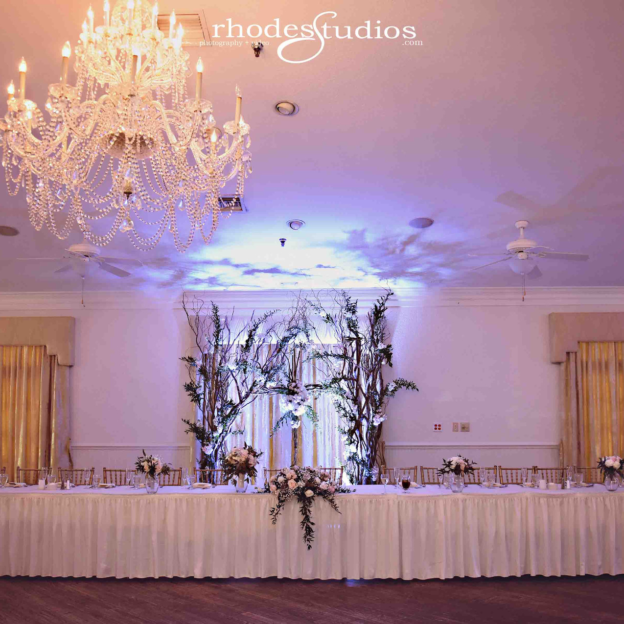 Beautiful bridal party table