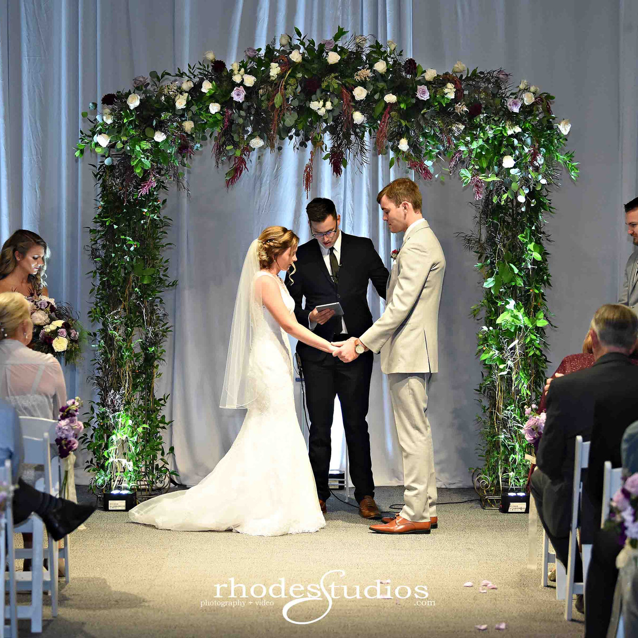 Beautiful romantic ceremony