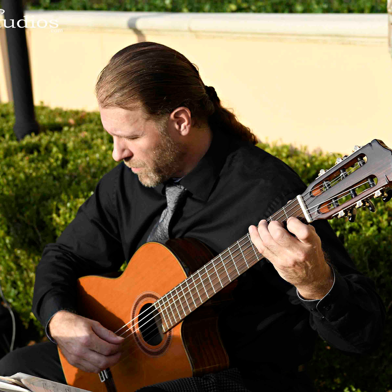 Ceremony guitarist