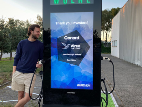Polish startup gets backing from American & German VC to bring free EV charging to Warsaw