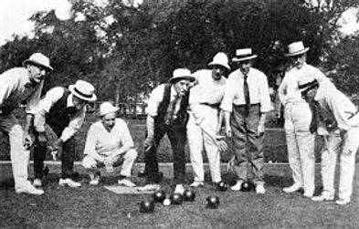 old lawn bowls action 2.jpg
