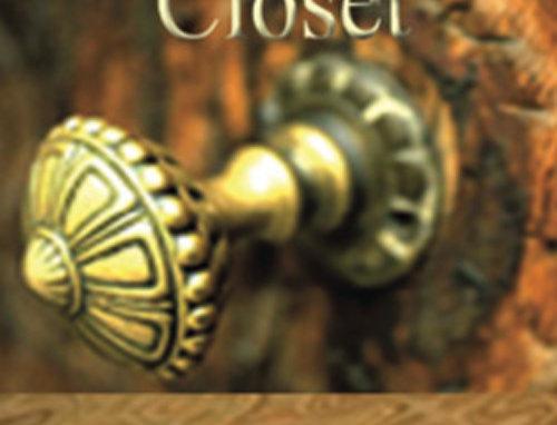 A Survivor's Closet - Paperback