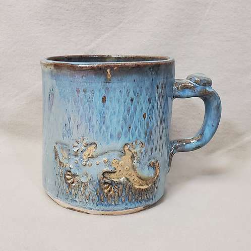 Handmade Ceramic Blue Mug with a Beige Gecko Lizard