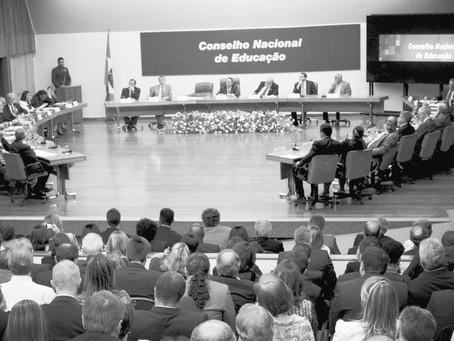 Educação continuada e TCC nas novas Diretrizes Curriculares propostas para os Cursos de Direito