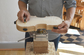 Chaping of the Arching using a thumb plane