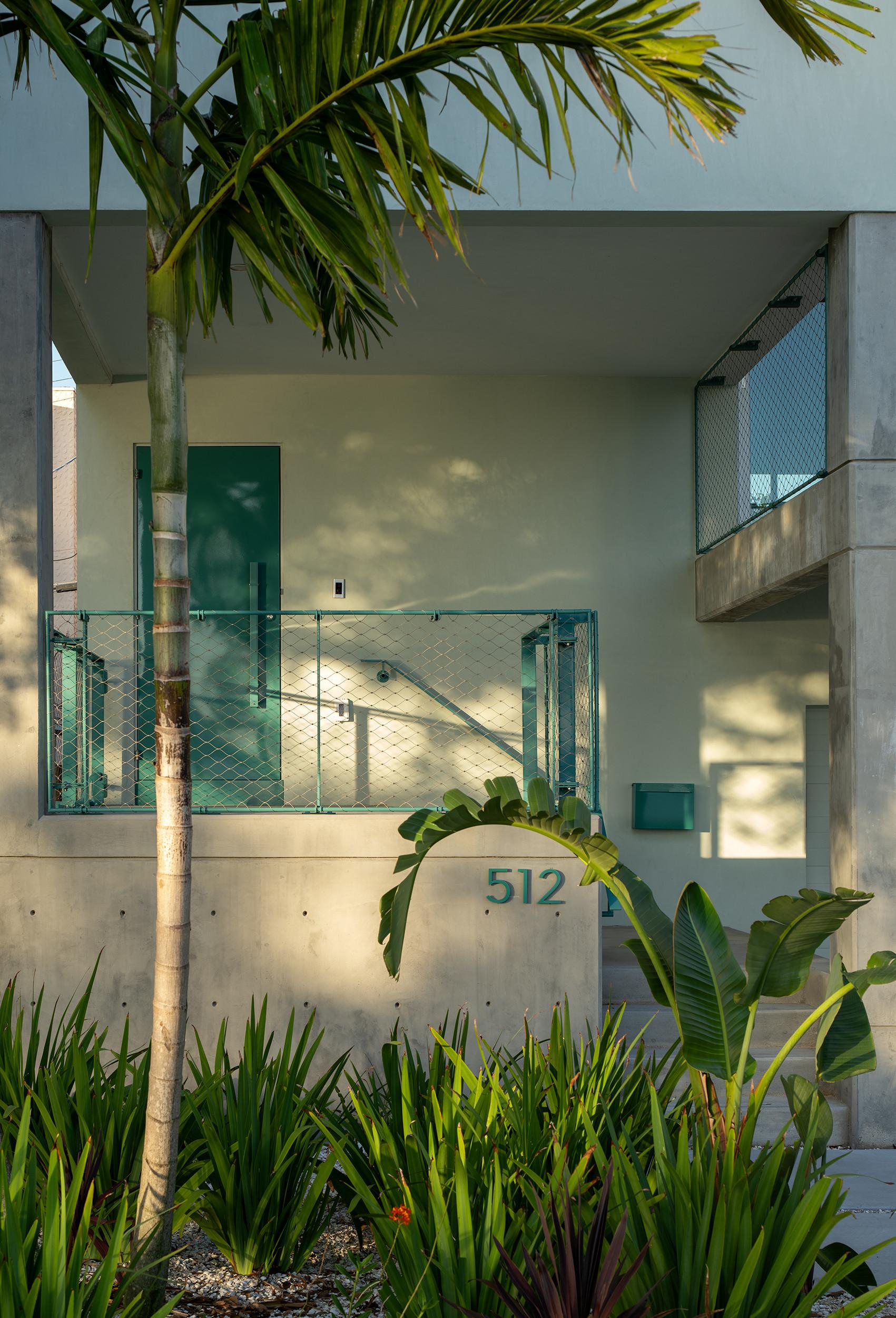 512 House