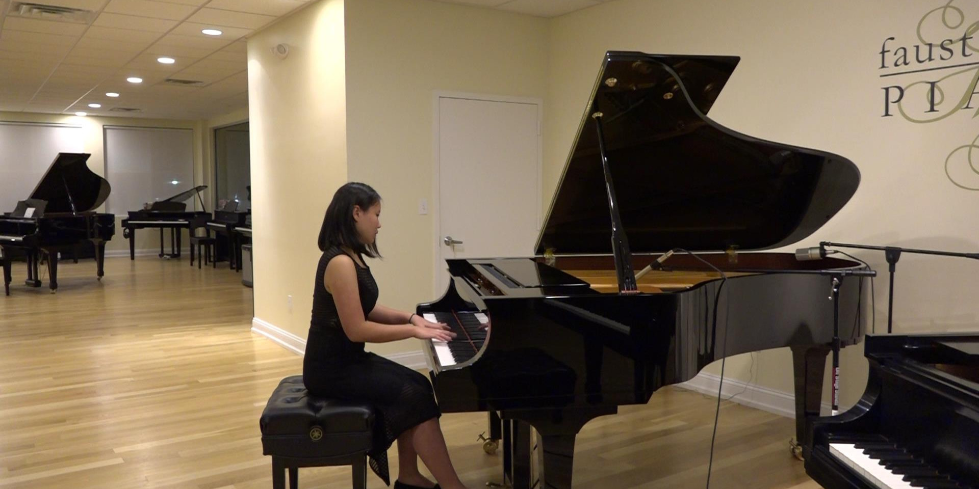 Jessica plays Chopin at Faust Harrison Pianos
