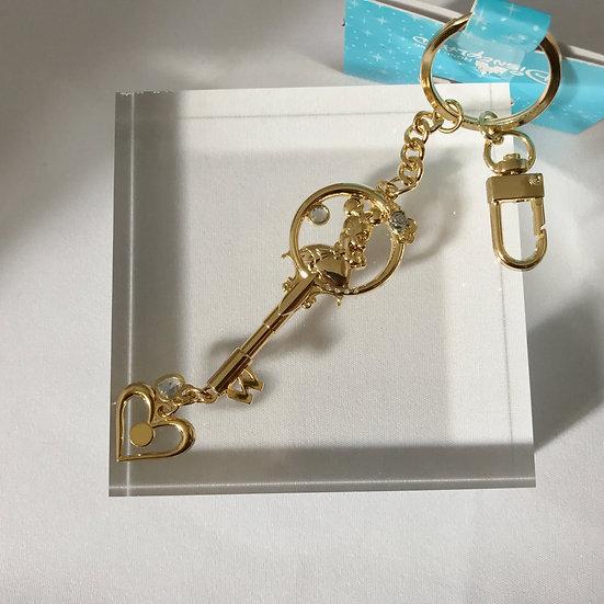 Ring Keychain collection - HongKong Disneyland Minnie Golden Love Keychain