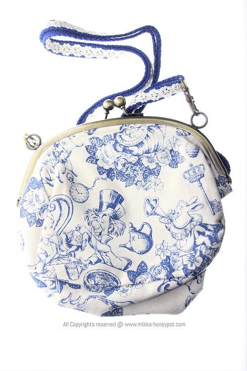 Shoulder Bag Collection : Tokyo Disneyland Alice in Wonderland Frame bag purse