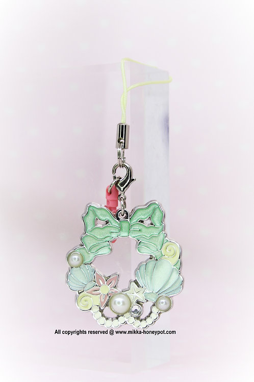 TOY Collection -Little Mermaid Christmas Wreath keychain