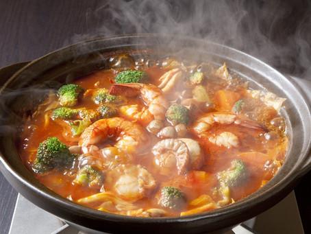 コラトゥーラを使ったトマト鍋スープ
