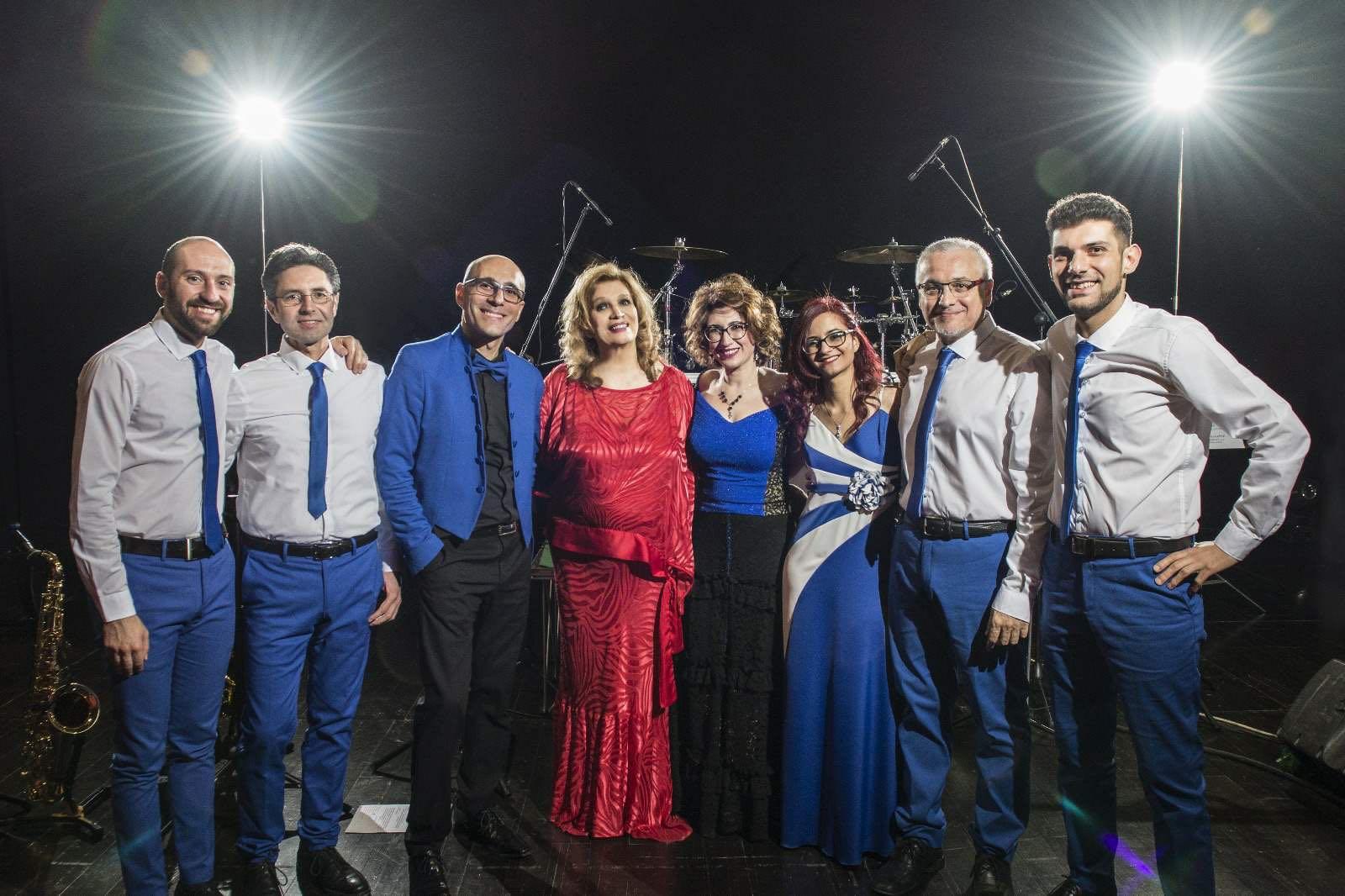 Atmosfera Blu e Iva Zanicchi a fine conc