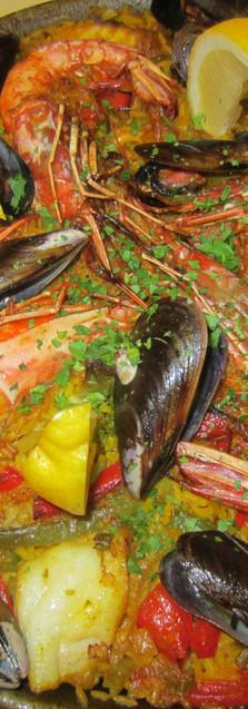 Paella Maison aux fruits de Mer et Poissons