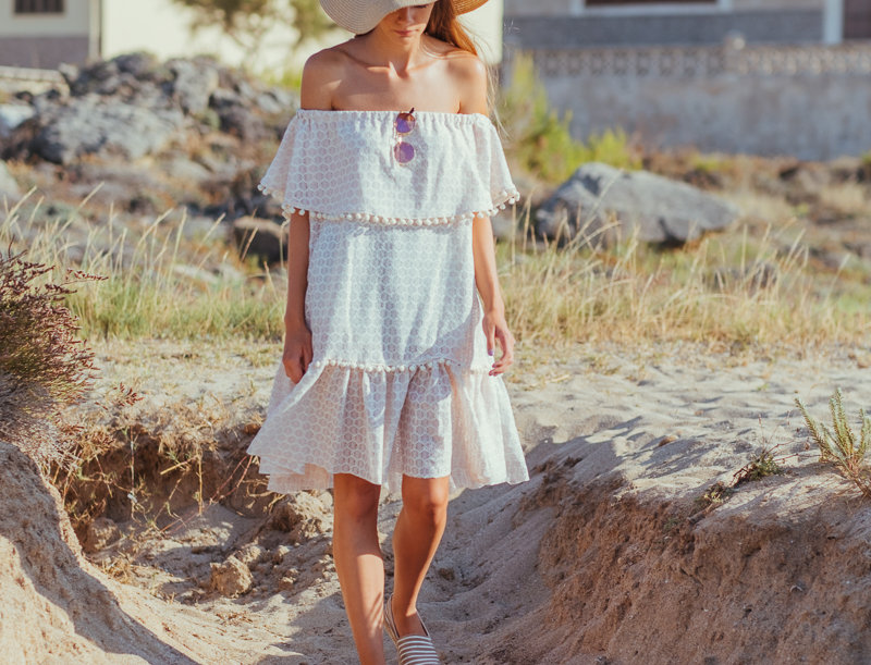 Paloma lace dress