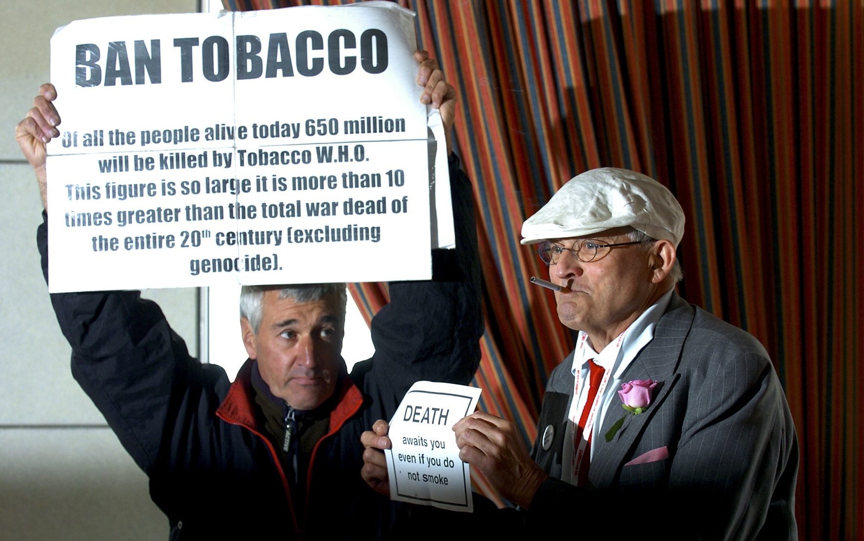 Artist David Hockney has his pro smoking event halted by a protestor - News