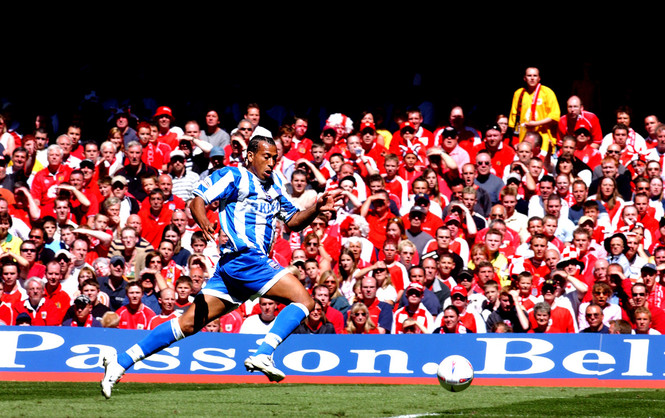 Brighton's Chris Iwelumo against a sea of red - Football League Second Division play-off Final, 2004
