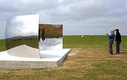 C–Curve Anish Kapoor - Weekend feature