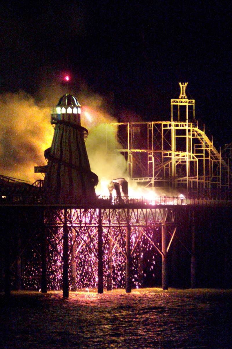 Fire on Brighton's Palace Pier - News