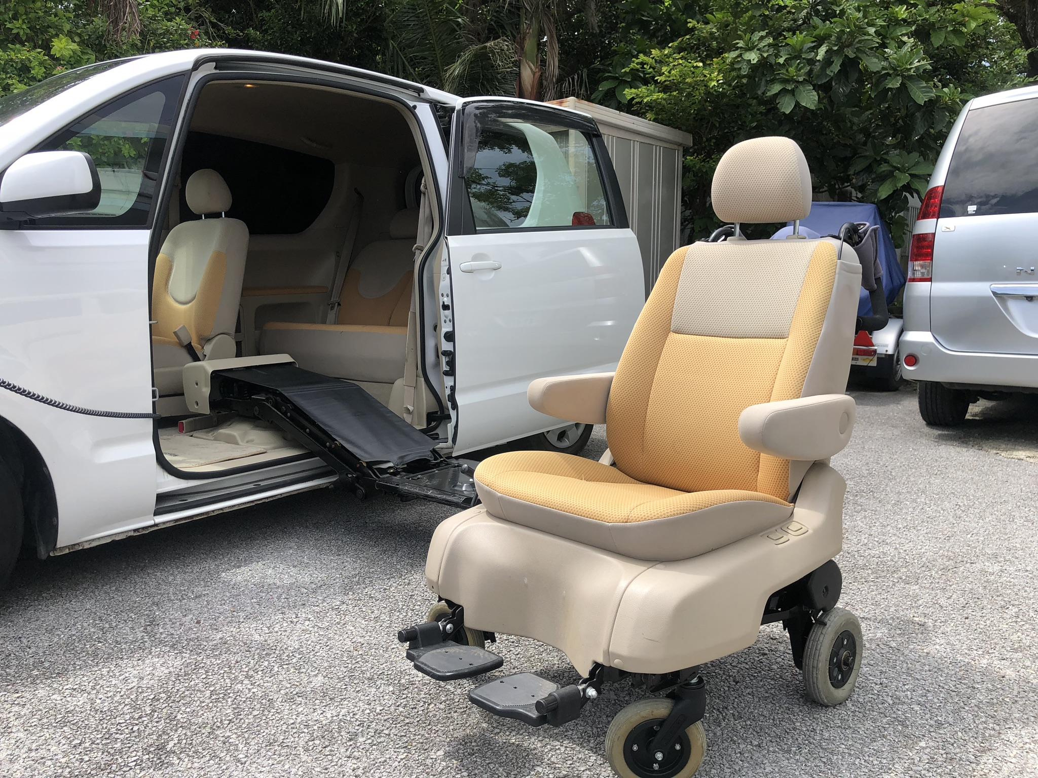 分離時は車椅子として使えます。